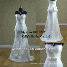 Vestido de noiva distinto com estilo taffeta com estilo