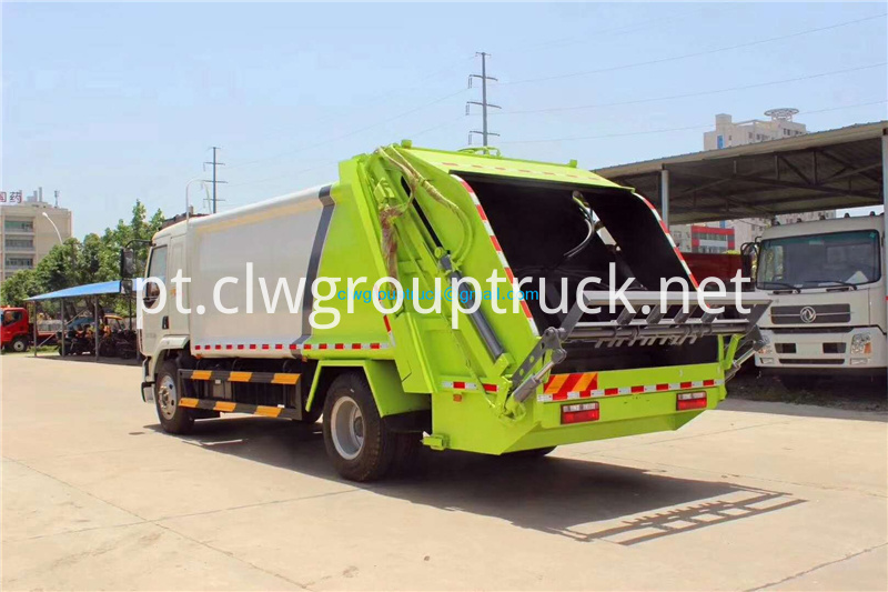 Compressed Refuse Truck 4