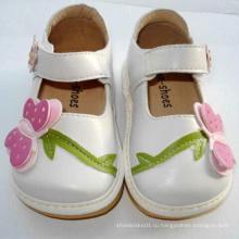 Очень милый белый большой бабочка малыша обувь Squeaky обувь