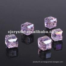 Alta qualidade cubo contas de vidro