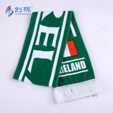 Kundenspezifischer Polyester-Fußball-Fußball-Fleece-Schal gestrickt