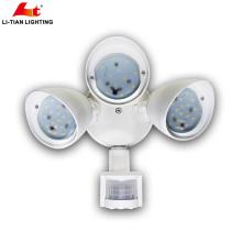 Motion-aktiviert und Dusk to Dawn Sensor Tri-Head LED Outdoor-Sicherheitsbeleuchtung 3x10W
