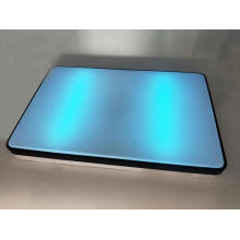 Desinfecção por controle remoto por luz ultravioleta no teto