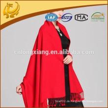 Kundenspezifisches Design Gebürstete Technologie Rote Farbe 100% Seide Schals Pashmina Seide