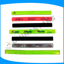 high visibility armband with reflector for night running