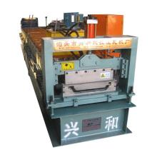 Máquina formadora de láminas de techo con cierre de clip