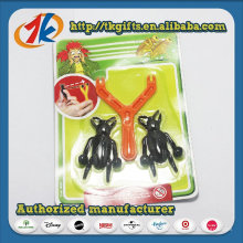 Insecte collant drôle de nouveauté avec le jouet en plastique de catapulte
