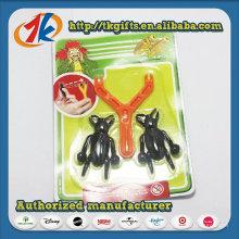 Новизна смешные липкое насекомое с пластиковой катапульты игрушки
