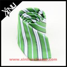 Le noeud parfait de cou de rayures vertes d'hommes pour la cravate tissée de jacquard de soie de mariage