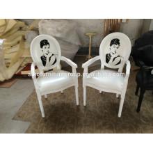 Feito na cadeira branca de madeira SinoFur