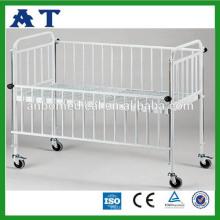 Детская кроватка из нержавеющей стали