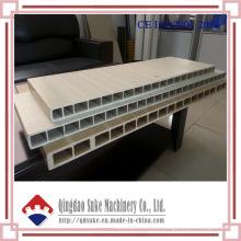 Línea de producción de extrusión de tableros de puerta WPC