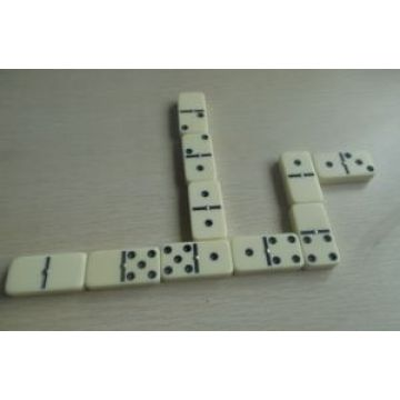 Double 12 Dominoes Set In Tin Box