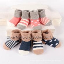 Cómodo puño bebé calcetines de algodón