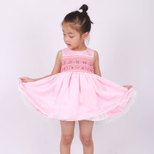 2018 wholesale boutique children sleeveless smocked dresses