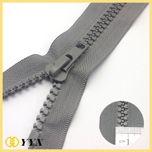 pouch plastic zipper
