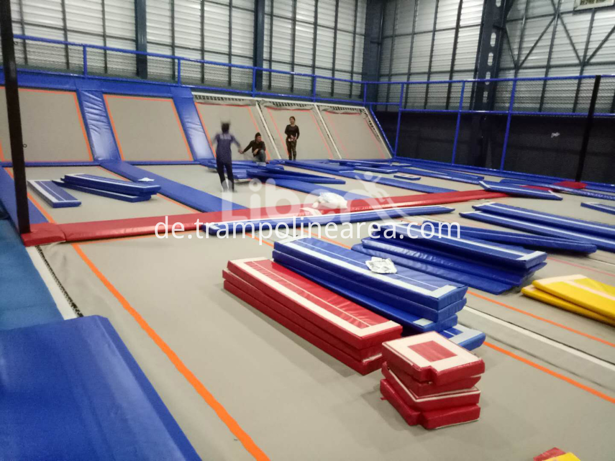 indoor trampoline park business
