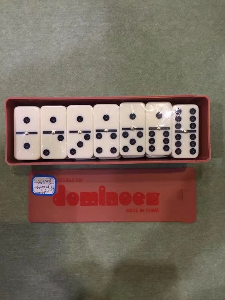 Cheap Plastic Dominoes In Plastic Box
