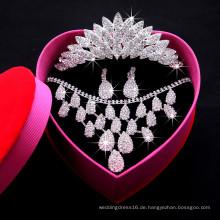Heiße Verkaufs-Blätter Form-Kristallschmucksache-Sätze für Hochzeitsfest-Brautgebrauch (Halskette + Ohrring + Krone) F29088 Frauen-Halsketten-Satz