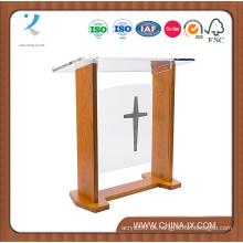 Breites Kirchenpodium mit einfacher Frontplatte