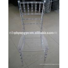 Cadeira chivari transparente