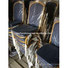 Cadeiras grossas de banquete