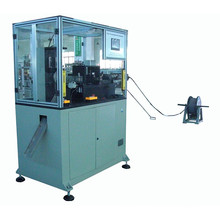 Machine de bobinage à bobines de champ magnétique automatique complète