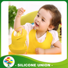Embossed silicone baby bib with good quality