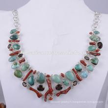Collier en argent massif et bijoux en pierres précieuses à base de corail et multi pierres précieuses