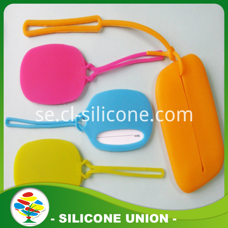 Ellipse silicone luggage tag