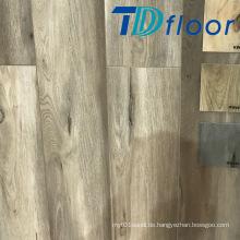 Tiefe Holzeiche mit Knoten Indoor WPC Vinyl Boden
