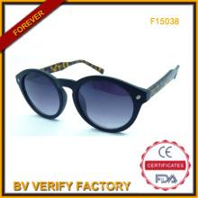 Women′s gafas de sol, gafas de sol de diseño Italia cumplir con FDA y la Ce (F15038)