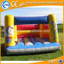 Juego al aire libre divertido 0.55mm PVC castillo de rebote / inflable juegos inflables de gorila para adultos