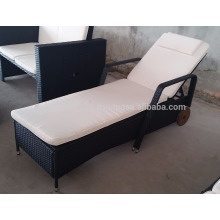 Wicker Outdoor / Garden Furniture - Moveable single lounge