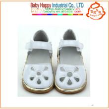 Оптовые красочные детские лепестковые скрипучие туфли