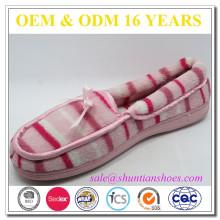 Chaussures plates à rayures confortables en éponge pour femme