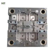Les pièces de rechange automatiques en plastique de haute précision moulent le fabricant adapté aux besoins du client