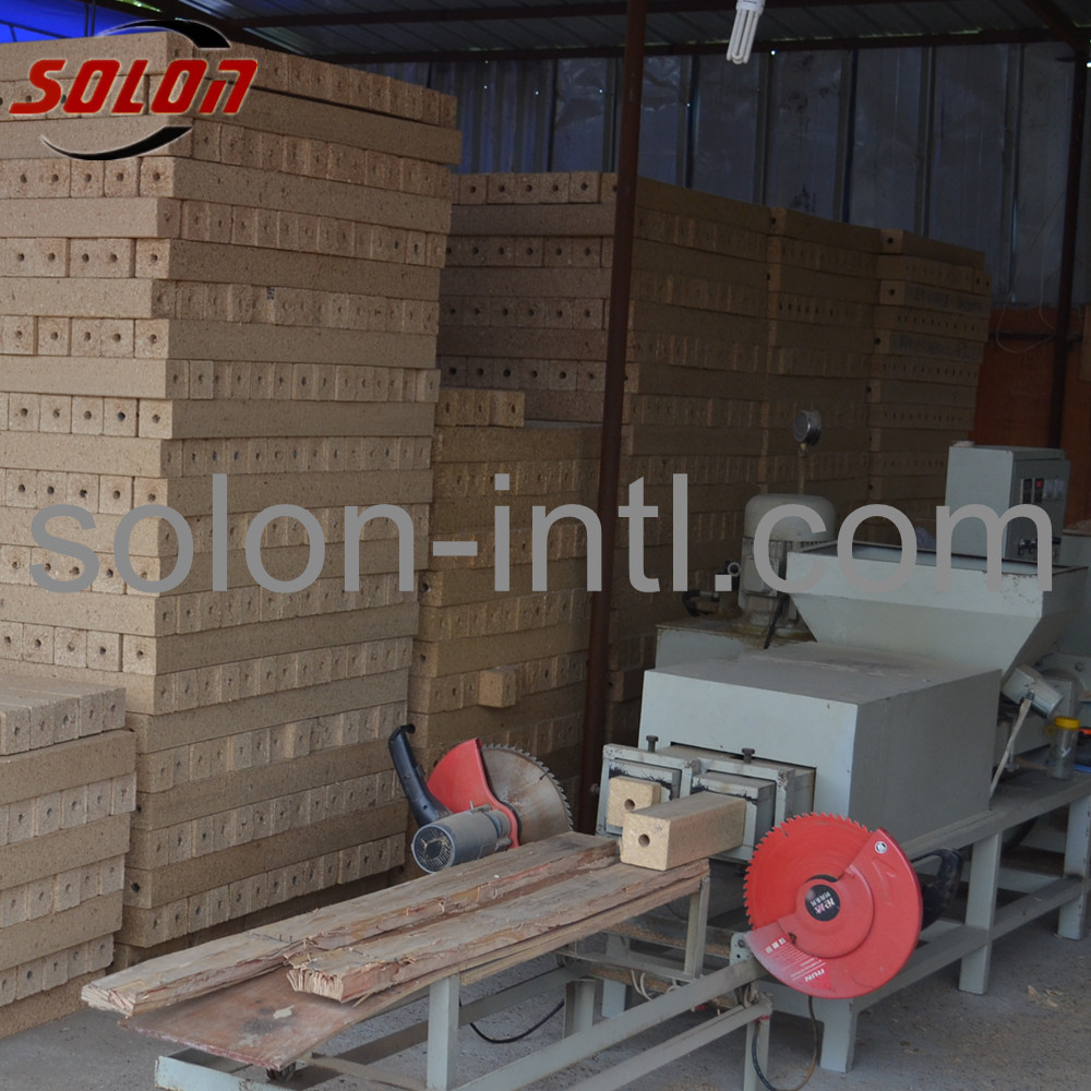 Wood sawdust glue mixer for wood pallet