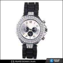 Synthetische Diamant-Armbanduhr 2015
