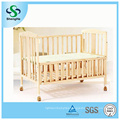 2016 Hot Sale Pine Wooden Baby Cot with Solid Design