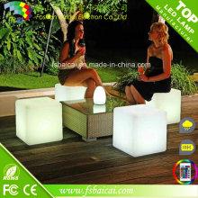 LED Plastikwürfelstuhl