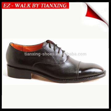 Chaussures en cuir de bureau avec empeigne en cuir véritable