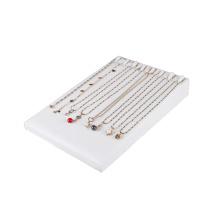 El fabricante de Guangzhou suministra la exhibición blanca del sostenedor del collar del cuero (TY-8N-WLS)