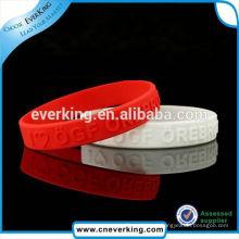 Fabrique la nueva pulsera de goma del silicón de la marca
