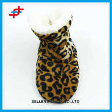 2016 new designed winter home half boots of leopard pattern,gold color and fashion foe wear