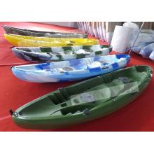 2015 Los nuevos kajaks venden al por mayor, barcos de pesca plásticos / canoa