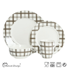 Scottish Check 16PCS en porcelaine avec assortiment de dîner décalé