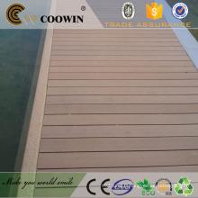 WPC Similaire à la plate-forme en bois naturel