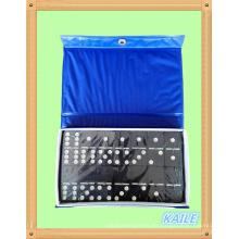 Paquete de domino negro de plástico doble 6 en caja de PVC