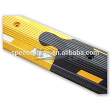 Separador de carril de carretera Separador de carril de carretera con poste de advertencia como salto de dirección